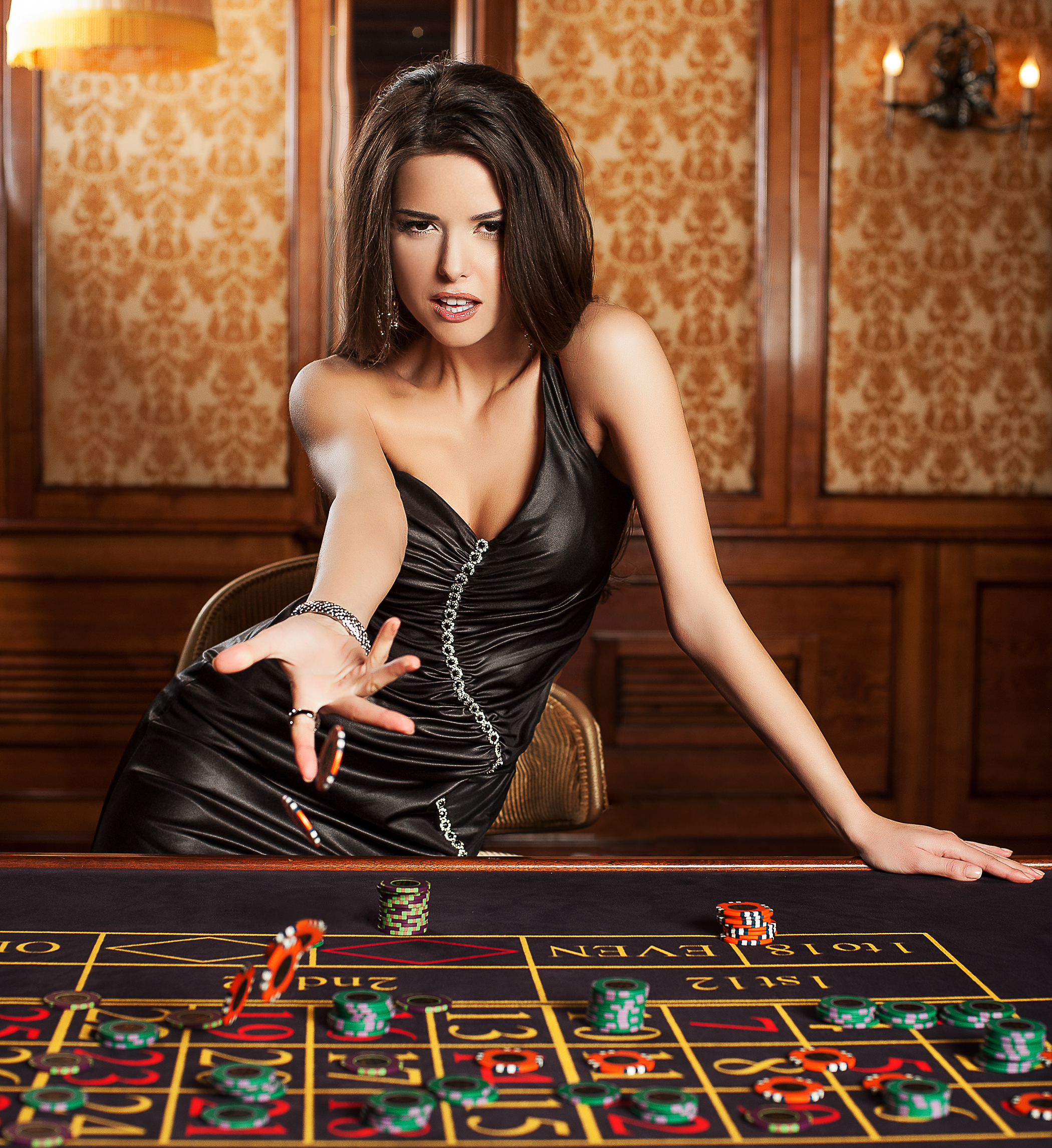 6pm shared wife casino queen play for free casino slots online